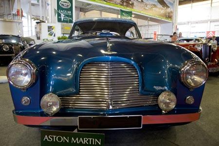 Aston Martin Ancienne : deux mod les d 39 anciennes aston martin ~ Maxctalentgroup.com Avis de Voitures